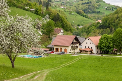Pobeg muhastemu vremenu - Turistična kmetija Želin...